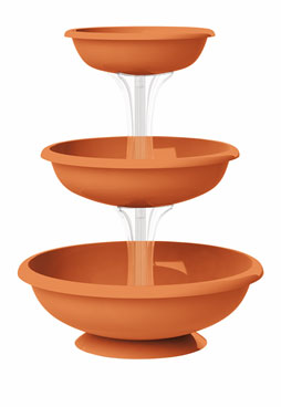 Fontana Terracotta outdoor set of 3 bowls in fountain formation